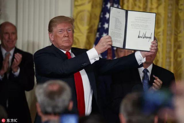 """特朗普宣布建""""天军"""",美军高层一片迷茫"""