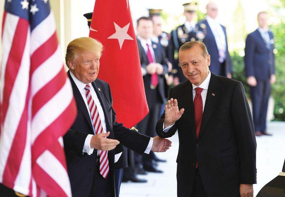 海外探客:欧盟刚让特朗普稍稍松口气,这2个中等强国又开始与美方恶斗